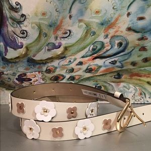 Belt with flowers